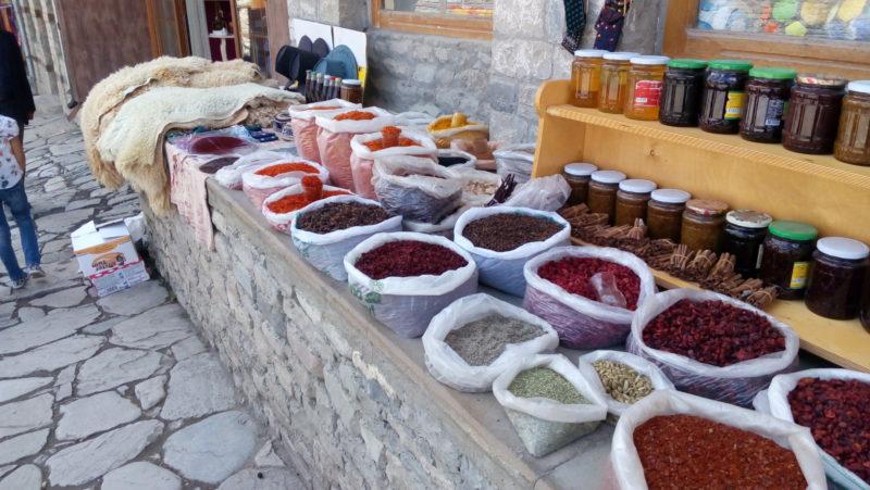 azerbajdzan_farby-korenia